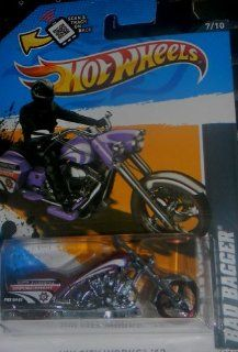 2012 Hot Wheels HW City Works Bad Bagger MOTORCYCLE CHOPPER RED 7/10 #137/247 Toys & Games