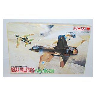 "Bekaa Valley ""F 16B vs MIG 23ML"" 1/144 scale by DML: Toys & Games"
