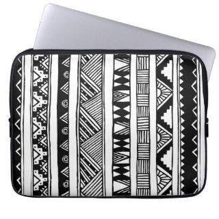 Modelo geométrico tribal azteca blanco negro de mo fundas ordendadores de