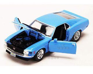 Showcasts   Ford Mustang Boss 429 Hard Top (1970, 124, Blue) Toys & Games